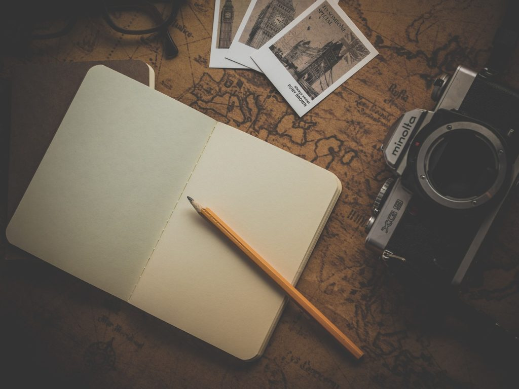 notebook, camera, map-1130742.jpg